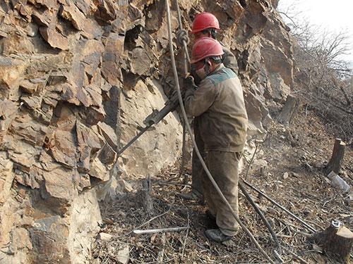 矿山地质环境恢复治理方案编制、土地复垦方案编制;
